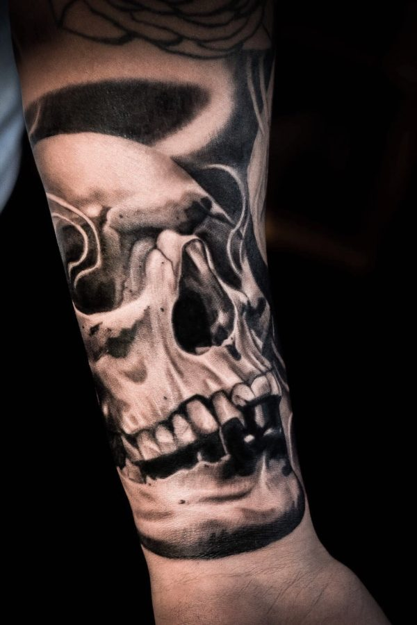 Tattoo skull with smoke